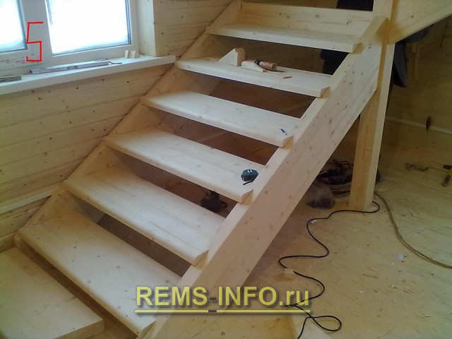 Деревянная лестница на второй этаж своими руками фото